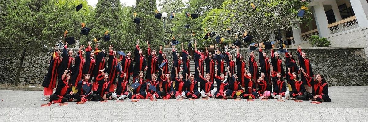 Quyết định thành lập Hội đồng chấm khóa luận tốt nghiệp đại học chính quy cho sinh viên khóa 43 (2017-2021)